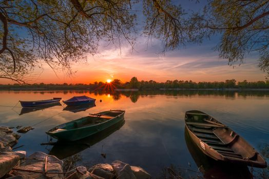 Заставки Закат в Голдканале Иллинген, штат Баден-Вюртемберг, Южная Германия, закат, канал, берег, лодки, деревья, пейзаж