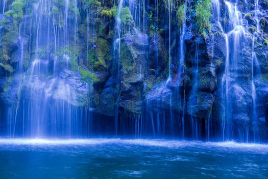 Заставки Моссбрай, водопад, пруд