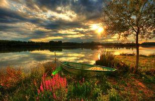 Бесплатные фото закат,река,берег,лодка,деревья,пейзаж