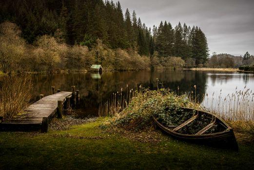 Бесплатные фото Шотландия,Лох-Ард,навес для лодок,пристань,Лодка,вода,осень,озеро,лодка,пейзаж