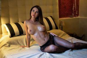 Бесплатные фото Justyna,модель,красотка,голая,голая девушка,обнаженная девушка,позы