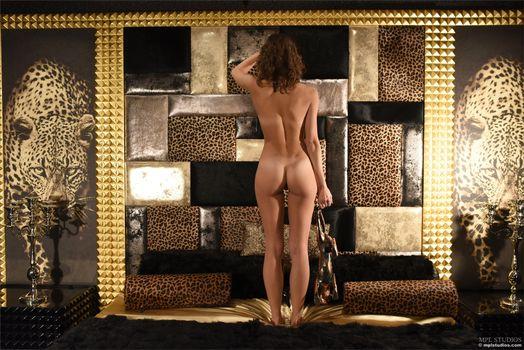Photo free pose, Morea, nude girl