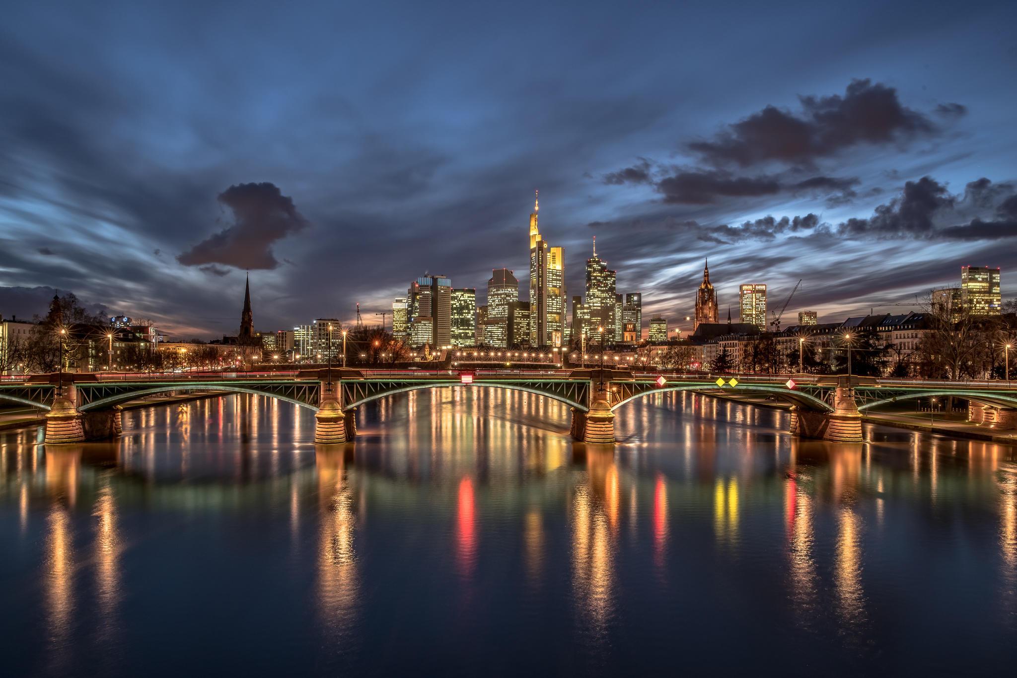 страны архитектура вечер город Франкфурт-на-Майне Германия  № 155585 без смс