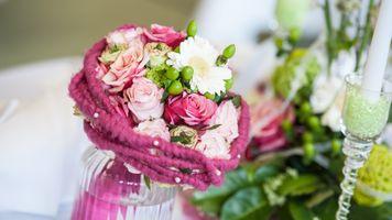 Фото бесплатно роза, яркие цветы, ваза