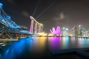 Бесплатные фото Сингапур,лазерное шоу,город,ночь,огни,дома,мост