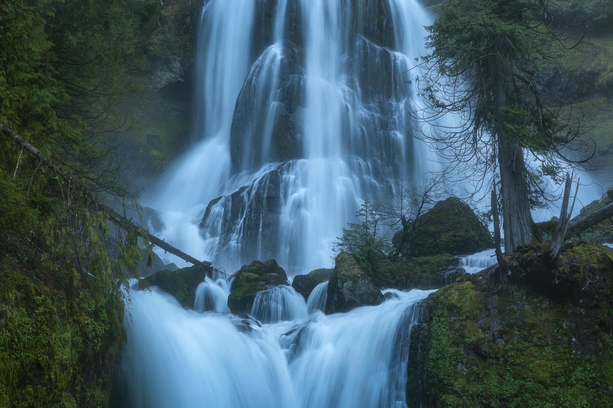 Обои Oregon, Creek Falls, деревья, скалы
