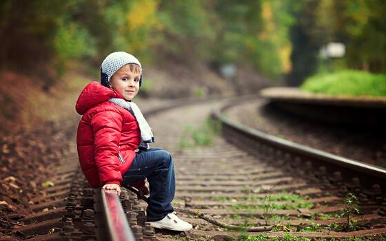 Photo free child, toddler, rails