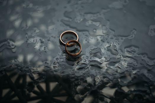 Photo free rings, wedding, water