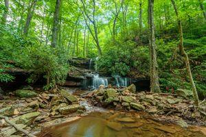 Фото бесплатно водопад, река, скалы, лес, деревья, пейзаж