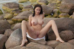 Бесплатные фото Agatha,модель,красотка,голая,голая девушка,обнаженная девушка,позы
