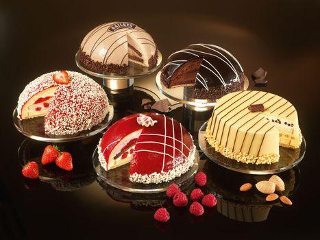 Photo free cakes, strawberries, raspberries
