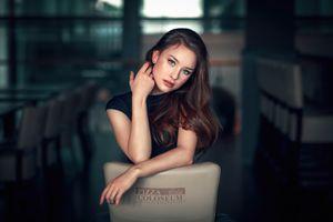 Фото бесплатно молодая женщина, брюнетка, руки