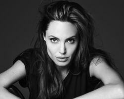 Photo free woman, actress, Angelina Jolie