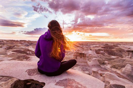 Фото бесплатно скалы, одиночество, девушки