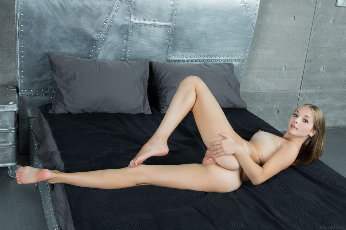 Фото бесплатно Jeff Milton, красотка, голая, голая девушка, обнаженная девушка, позы, поза, сексуальная девушка, модель, эротика, эротика