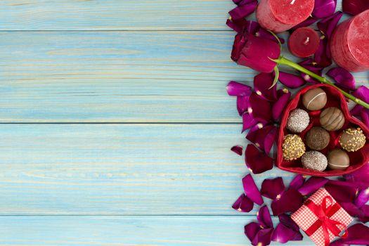 Фото бесплатно шоколад, розы, десерт