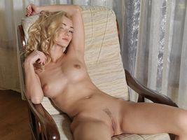 Бесплатные фото Nataly F,модель,красотка,голая,голая девушка,обнаженная девушка,позы