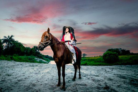 Photo free woman, horse, brunette