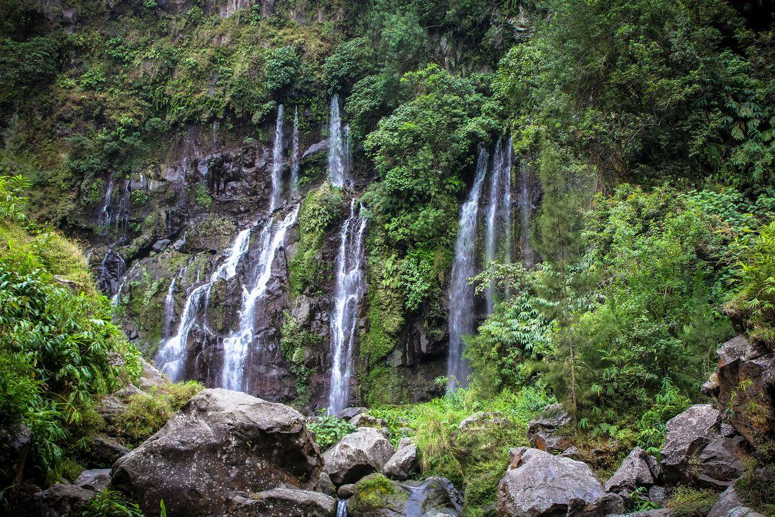 Фото бесплатно водопад, скалы, камни, деревья, природа, природа - скачать на рабочий стол