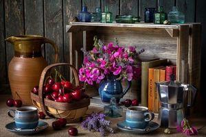 Бесплатные фото стол,чашки,черешня,книги,натюрморт