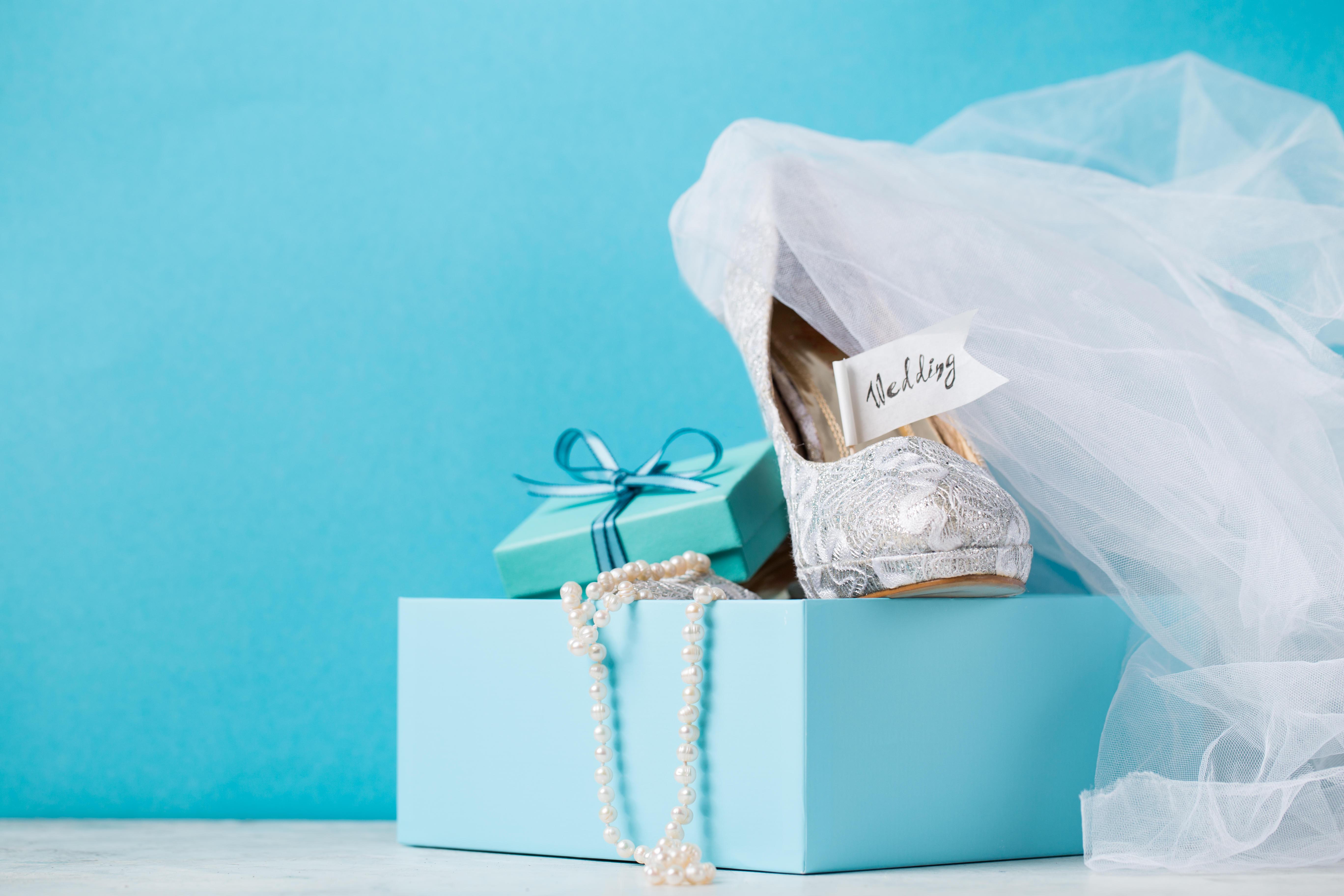 Обои свадьба, box, бусы, коробка