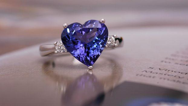 Бесплатные фото камень,украшение,кольцо,сапфир