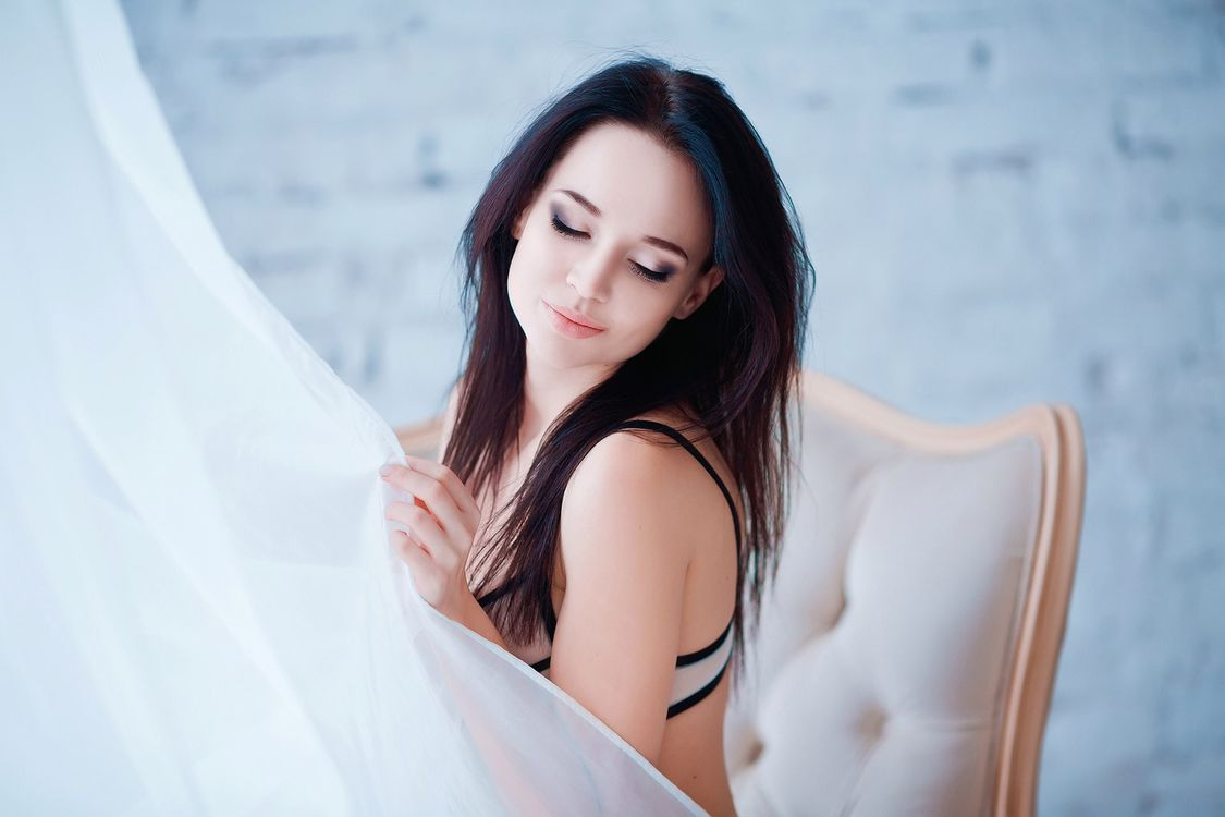 Photo model Angelina Petrova smiling - free pictures on Fonwall