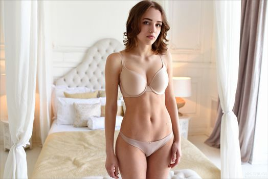 Фото бесплатно Saloma, Maxa, Morea, модель, красотка, голая, голая девушка, обнаженная девушка, позы, поза, сексуальная девушка, эротика
