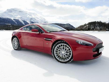 Фото бесплатно aston martin dbs, модель автомобиля, спортивный автомобиль
