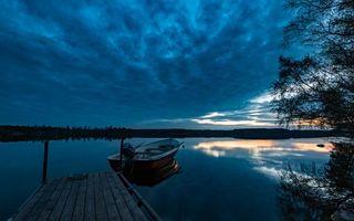 Бесплатные фото закат,озеро,лодка,пристань,мостик,деревья,пейзаж