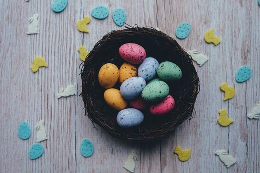 Фото бесплатно пасхальные яйца, разноцветные, вид сверху