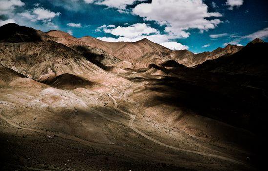 Фото бесплатно дорога, горы, тени