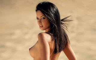 Бесплатные фото blagovesta bonbonova,playboy,playmate,брюнетка,модель,сиськи,большие сиськи