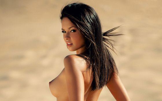 Бесплатные фото blagovesta bonbonova,playboy,playmate,брюнетка,модель,сиськи,большие сиськи,загорелые,некачественные