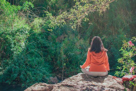 Бесплатные фото люблю,милый,портрет,пейзаж,красивая,путешествовать,счастливый,прекрасный,изобразительное искусство,естественный,девушка,зеленый