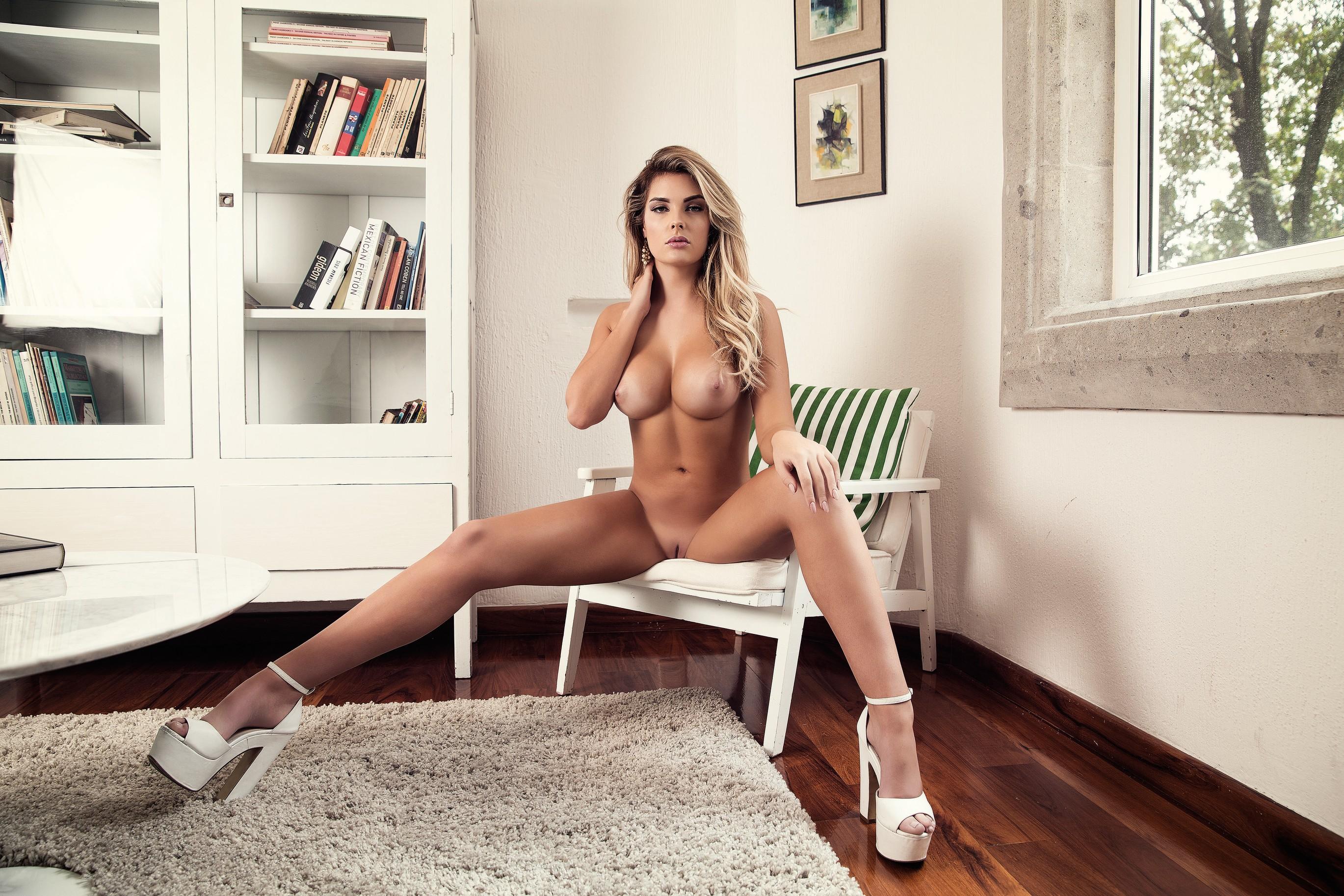 Sarah harris naked