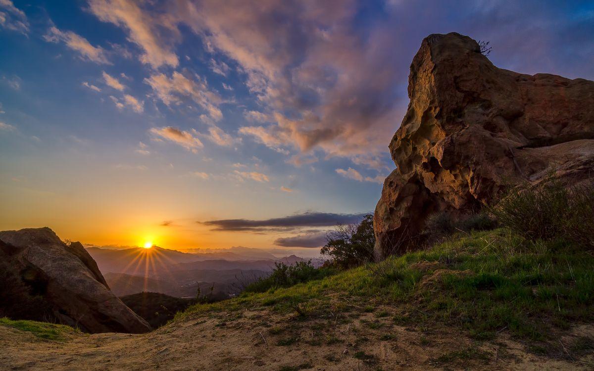Фото солнечный свет пейзаж горы - бесплатные картинки на Fonwall