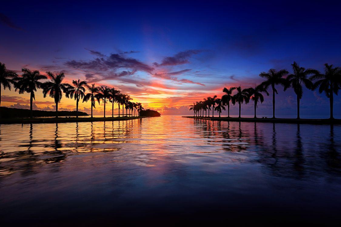 Красивый закат в Майами · бесплатное фото