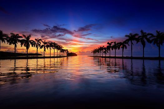 Красивый закат в Майами