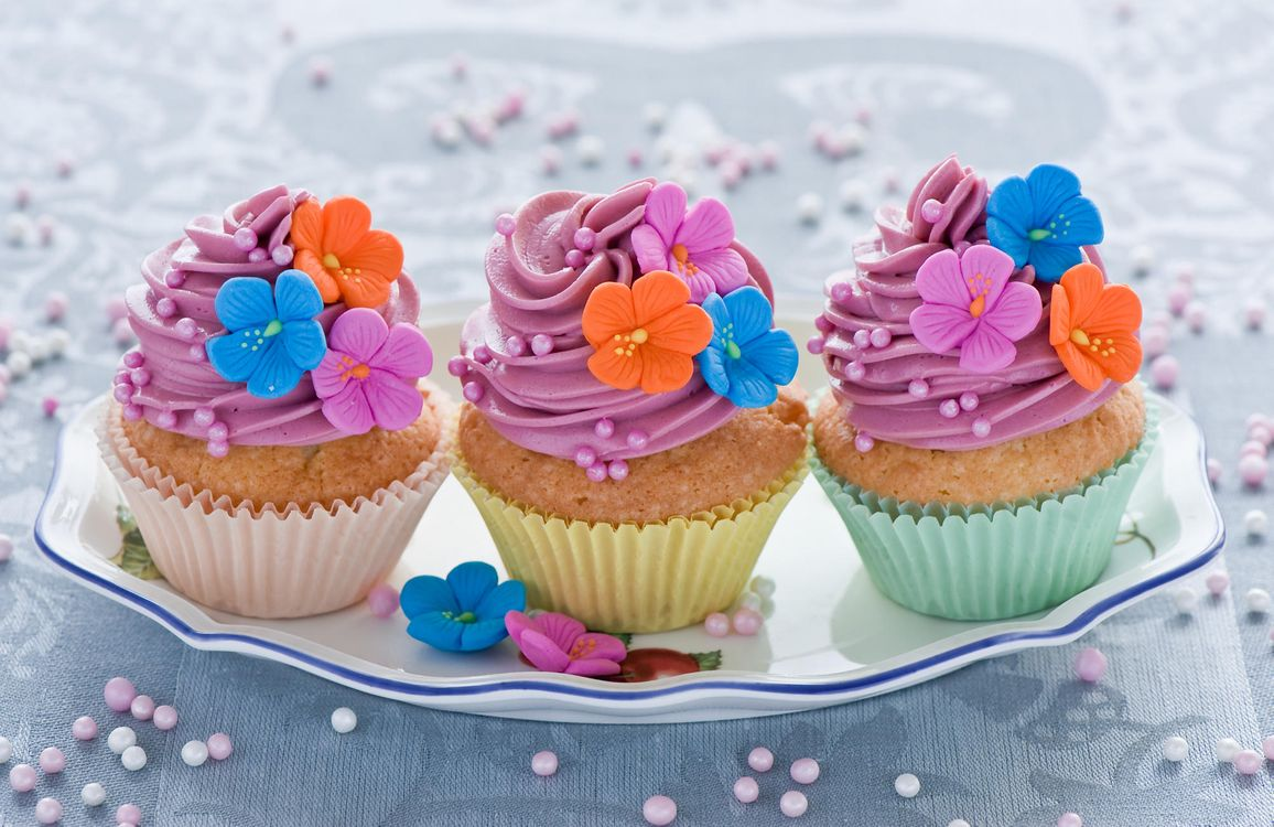 Free photo cupcakes, pastries, cream - to desktop