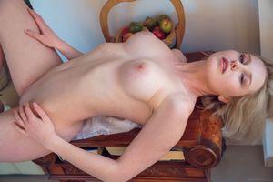 Бесплатные фото Kery, красотка, голая, голая девушка, обнаженная девушка, позы, поза