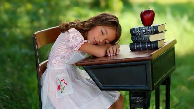 Заставки книги, стол, спать