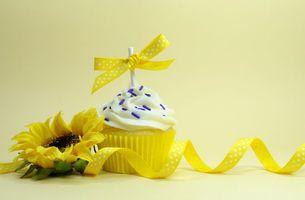 Фото бесплатно keks, krem, prisypka, bantik