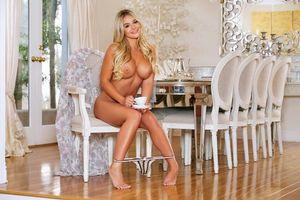 Бесплатные фото Tahlia Paris,модель,красотка,голая,голая девушка,обнаженная девушка,позы