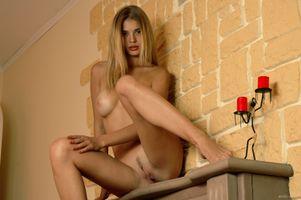 Бесплатные фото Vika R,модель,красотка,голая,голая девушка,обнаженная девушка,позы