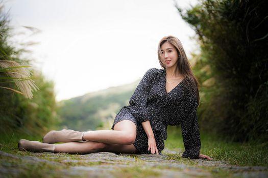 Фото бесплатно молодая женщина, ноги, азиатка