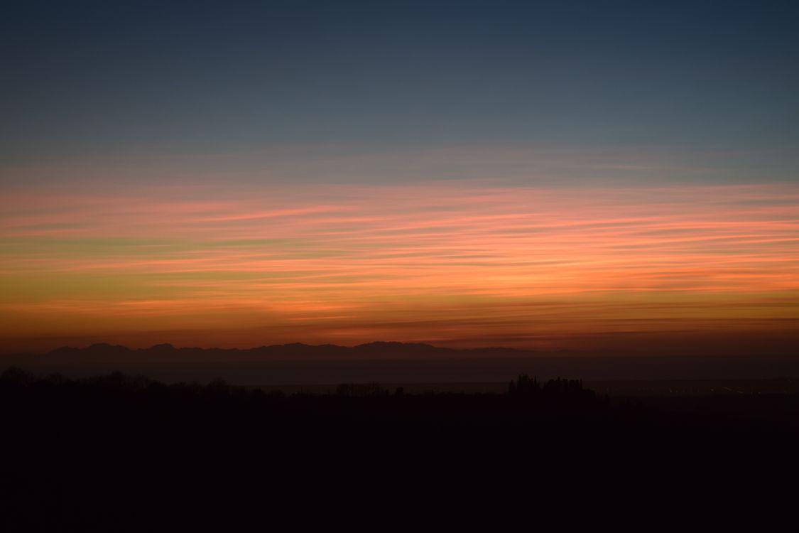 Потрясающий закат солнца · бесплатное фото