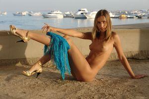 Бесплатные фото Alizeya A,красотка,голая,голая девушка,обнаженная девушка,позы,поза