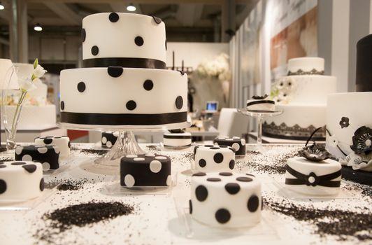 Обои десерт,свадьба,праздник,сладкое,торт