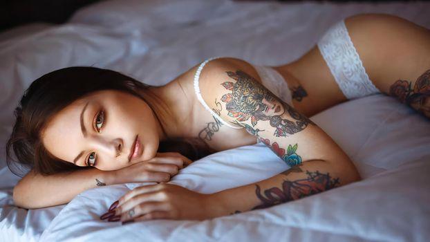 Фото бесплатно неизвестный, женское белье, кровать